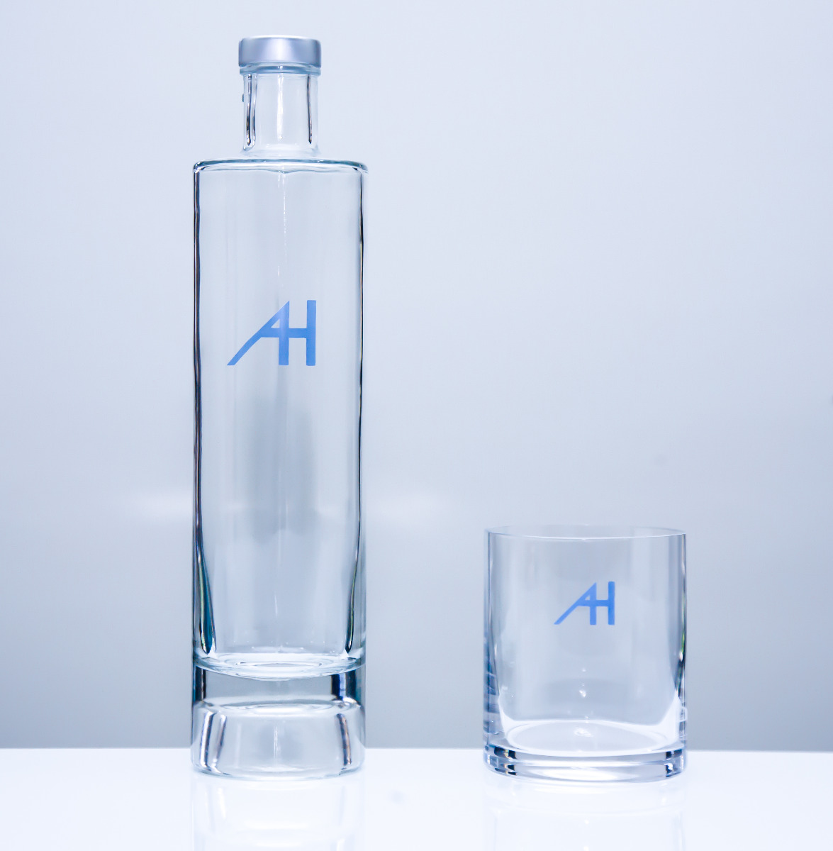 Botella y vaso cristal